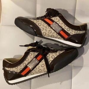 ❤️GUESS Brown Sneakers